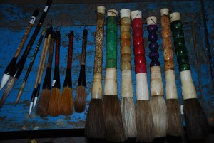 caligraphy brushes at charlies antiques store in williamsburg va, paintbrushes at charlies antiques store in williamsburg va