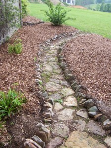 fieldstone pathway for garden,stone walkway for landscaped garden at charlies antiques in williamsburg va