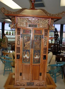 antique oriental carved bridal sedan chair,old red sedan chair at charlies antiques in williamsburg va