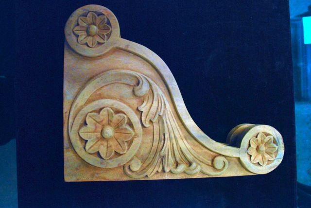 handcarved mahogany bracket,architectural wood carving at charlies antiques in williamsburg va